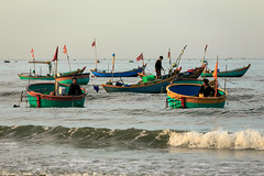 Life on waves (longvk91) Tags: sea wave fishing vietnam phanthiet muine culture people