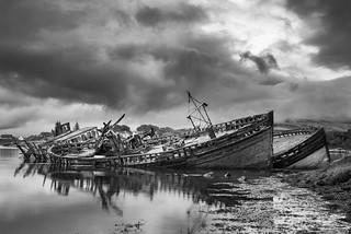 Wreck in shore