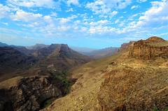 Barranco de Fataga (Vladi Stoimenov) Tags: grancanaria canaryislands rocky rocks road stones sky barranco nikond7000