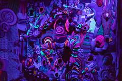 searched and found? (diwan) Tags: germany deutschland sachsenanhalt saxonyanhalt magdeburg city stadt place klosterunserliebenfrauen kunstmuseum theatergruppe theatergruppemaraña bühne kulisse farben colors illuminiert illuminated wolle wool gestrickt knitted nacht night light nachtaufnahmen nightphotography canonef70200mmf28lisusm canoneos5dmarkiv canon eos 2018 geotagged geo:lon=11637361 geo:lat=52127472