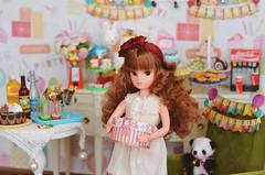 Reprolicca Portrait - Frances (Moonrabbit_ly) Tags: licca reprolicca liccachan doll dollhouse diorama celebration