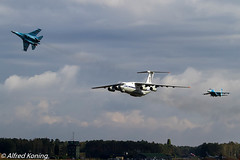 Su-27 Flanker, 58, Su-27UB, 71 en Il76MD Candid, 78820, Oekraïne (Alfred Koning) Tags: 58blue 71blue 78820 belgianairforcedays2018 ebblkleinebrogel il76candid il76md locatie oekraïne su27flanker su27p su27ub vliegtuigen