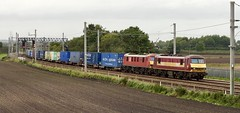 DBUK electric traction (SemmyTrailer) Tags: ews db uk train railway locomotives 25kv electric winwick cheshire wcml freight containers malcolm logistics 90039 skoda