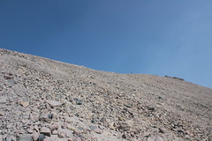 Just that far to go to attain the ridge crest (rozoneill) Tags: lassen volcanic national park peak hiking california volcano