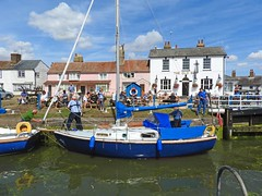 The lock at Heybridge Basin, Essex (Linda 2409) Tags: boat yacht lock publichouse pub canal
