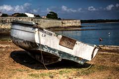 bateau 3 (leofg37) Tags: bateau boat ciel nuage cloud sea ocean mer water canon eos 700d 2470 hdr photographie photographer ile daix iledaix