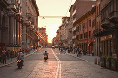 Via Rizzoli 2 (ghismou1981bo) Tags: street streetphoto life city sunset bologna