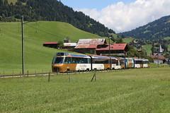2018-08-15, MOB, Saanen (Fototak) Tags: schmalspurbahn treno railway train goldenpass berneroberland saanenland mob panoramicexpress switzerland 8002