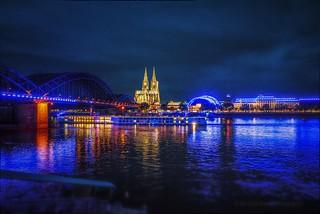 Ilumination Konrad Adenauer Ufer und Kölner Dom