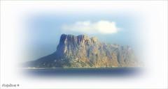 ENTRE LA BRUMA-PEÑÓN DE IFACH (Angelines3) Tags: nwn nubes naturaleza bruma cielo comunidadvalenciana alicante peñóndeifach montaña mar piedra