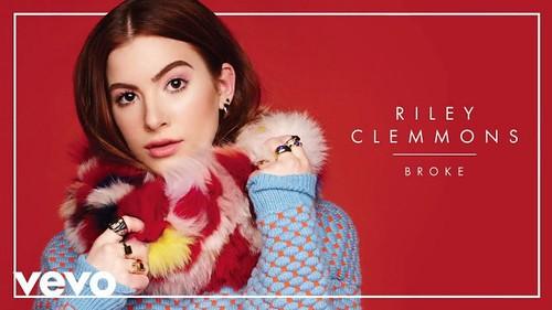Riley Clemmons fan photo