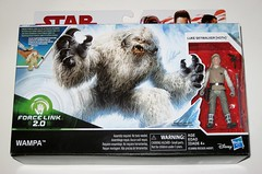 wampa and luke skywalker hoth star wars the last jedi red and white card creature and basic action figure force link 2017 hasbro misb a (tjparkside) Tags: wampa luke skywalker hoth star wars last jedi 2017 2018 hasbro basic action figure figures creature snow ice planet episode v five 5 tesb esb empire strikes back cave force link 20 green razor sharp fangs claws white fur tauntaun taun tauns lightsaber blaster pistol holster headgear jacket 5poa red card misb from