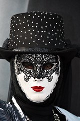 venetian masks portraits - 7 (fotomänni) Tags: masken masks venezianischerkarneval venezianisch venetiancarnival venetian venezianischemasken venetianmasks venezianischemesseludwigsburg portraits portrait portraitfotografie manfredweis