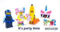 It's party time (WhiteFang (Eurobricks)) Tags: lego bind bags unikitty series 1 brick built animals kitty puppy box colourful vibrant sunshine cheerful fun pink