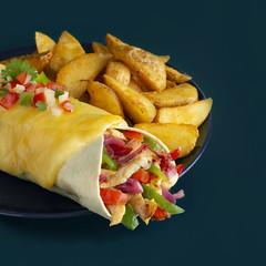 burrito con patatas (carmenmedinalopez) Tags: food foodstyling foodphotography color foodesing estilismodealimentos estilismogastronomico estilismoculinario mexicanfood pollo verduras patatas queso