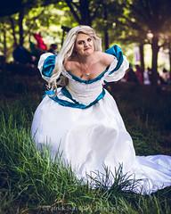 SP_81945 (Patcave) Tags: dragon con dragoncon 2018 dragoncon2018 cosplay cosplayer cosplayers costume costumers costumes swan princess odette wedding bridal fashion vintage 90s dress