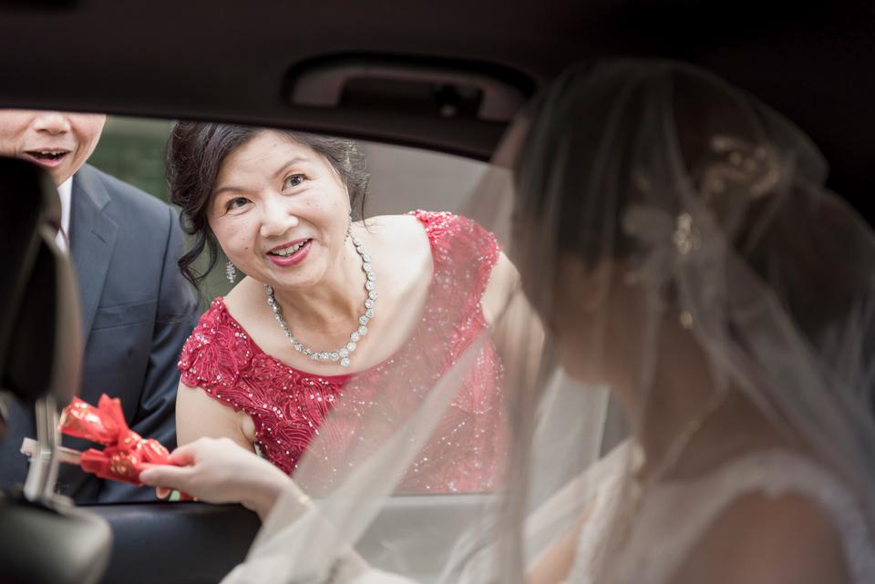 高雄婚攝 海中鮮婚宴會館 有正妹新娘快來看呦 C & S 071