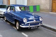 Paris  Simca (descartes.marco) Tags: simcaaronde oldtimersimca french car simca