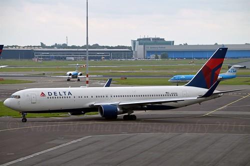 """Delta Air Lines N180DN Boeing 767-332ER Winglets 05/12 cn/25985-428 """"180"""" @ EHAM / AMS 01-07-2016"""
