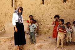 Sunglasses (motohakone) Tags: jemen yemen arabia arabien dia slide digitalisiert digitized 1992 westasien westernasia ٱلْيَمَن alyaman kodachrome paperframe