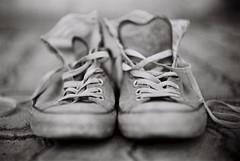 Shoes (Semjaja) Tags: blackandwhite blackandwhitefilm voigtlander voigtlanderprominent nokton nokton1550mm nokton50mm ilford ilfordpanf panf 35mm 35mmcamera 35mmfilm film filmlives filmsnotdead filmphotography filmcamera ishootfilm shootfilm shotonfilm shoes wideopen