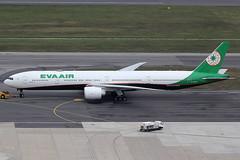 EVA Air Boeing 777-300ER B-16732 (c/n 62287) (Manfred Saitz) Tags: vienna airport schwechat vie loww flughafen wien eva air boeing 777300 773 b773 b16732 breg