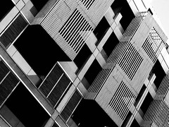 Les balcons de Marseille (Loïc.Kervignac) Tags: structure blackandwhite noiretblanc joliette balconsdemarseille balcons architecture marseille