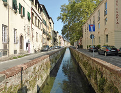 Via del Fosso (neuphin) Tags: lucca via del fosso stream canal moat perspective water