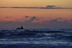 fishing boat (roberto parravicini) Tags: galizia galicia spain d7200 fishingboat peschereccio orablu bluehour sea ocean water spagna sky