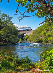 West Highlands - 45407 - 3 September 2018 (Mike Heath Photo) Tags: scotland west highlands uk jacobite train locomotive scottish landscape black 5 five stanier 460 lms 45407 harry potter iron road isles