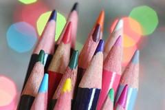 Crayons de couleur sur fond pastel (Christian Chene Tahiti) Tags: canon 6d paea tahiti polynésiefrançaise crayon crayondecouleur fusée fondnoir coloriage stick panel ton tonpastel soft bokeh macro closeup colour dessin rouge rose multicolore color multicolor jaune vert green bleu paste pourpre hmm macromonday macromondays