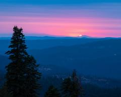 Last Light on the Sierras (grimeshome) Tags: yubagap northerncalifornia grimeshome grimeshomephotography davidgrimesphotographer davidgrimesphotography sunset sierras sierranevadamountains sierranevadas sierranevada sierra landscape sun forest