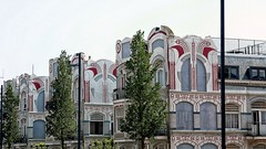 Loodshuizen (roberke) Tags: huizen houses architecture architectuur 1910 artnouveau pfsmagge vlissingen zeeland netherlands nederland windows ramen vensters outdoor buiten sky lucht boom