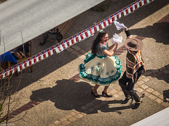 Tiempos de baile. (Eugercios) Tags: santiago santiagodechile chile cueca baile dancing dance america sudamerica southamerica iberoamerica latinamerica latinoamerica hispanoamerica 18 dancer dancers