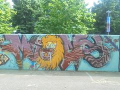 438 (en-ri) Tags: moans funk cb joby rosso arrow leone lyon torino wall muro graffiti writing parco dora giallo zanne azzurro bianco