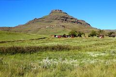 Drankensberg (-LoraN-) Tags: drakensberg afriquedusud lesotho montagne nature vert voyage canon 600d