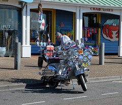 Summer's last fling in Littlehampton (davids pix) Tags: mods rockers scooter mirrors headlights flags fully loaded 1964 littlehampton 2018 01092018