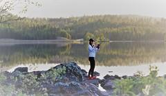 IMG_0800 (2) (www.ilkkajukarainen.fi) Tags: järvi lake lapland lappi suomi finland finlande ivalo inari girl tyttö travel traveling sun set leggins kohtaaminen