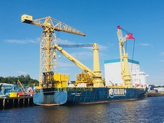 Jumbo (Simon Aughton) Tags: river tyne newcastle industry industrial crane cranes ship ships shipping blue sky