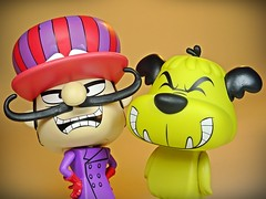 Funko – Vynl. – Hanna Barbera – Wacky Races – Dick Dastardly & Muttley Vinyl Figures Set – 2018 Summer Convention Exclusive – Close Up & Smile!! (My Toy Museum) Tags: funko vinyl pop vynl hanna barbera wacky races figure dick dastardly muttley terry thomas dog laughing