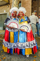 2010-02-06 Desfile de Llamadas en Montevideo (13) - Desfile de Llamadas (Parade der Rufe), Karnevalsumzug in Montevideo, Uruguay (mike.bulter) Tags: karneval carnival umzug parade karnevalsumzug desfiledellamadas frau menschen montevideo people southamerica suedamerika uruguay woman barriosur ury carnaval