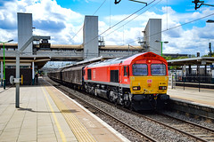 66065 - Bletchley - 24/08/18. (TRphotography04) Tags: db cargo uk 66065 roars past bletchley working 6m45 0745 dollands moor sdgs daventry int rft recep rfd