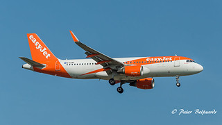 G-EZWG  Airbus A320-200 - easyJet