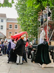 YMPST waggon play performance, St Sampson's Square, 16 September 2018 - 02 (nican45) Tags: yorkmysteryplays2018 16september2018 16092018 18135 18135mm 2018 csc fuji fujifilm mysteryplays nickansell september stsampsonssquare supporterstrust theharrowingofhell xt2 xf18135mmf3556rlmoiswr ymp ympst york yorkshire cast costumes mirrorless performance photographer photography waggonplay