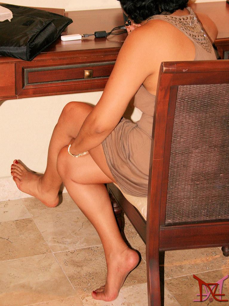 Homemade amateur mature solo women stripping videos