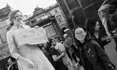 Fringe on the Mile 2018 0118 (byronv2) Tags: fringe fringe2018 edinburghfestivalfringe2018 edinburgh edimbourg edinburghfestival edinburghfestivalfringe edinburghfringe edinburghfringe2018 blackandwhite blackwhite bw monochrome royalmile oldtown scotland performer woman girl asian sign conversation chat talk talking