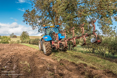 Ploughing at Hutton Magna Sep 2018 (3) (Richard Laidler) Tags: agriculture arable autumn farm farming farmland furrow furrows machinery newholland plough ploughing soil sun sunny sunshine tractor