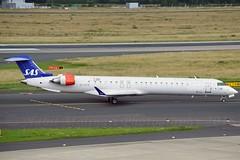 """Alfhild Viking"" SAS Scandinavian Airline System OY-KFB Canadair CL-600-2D24 Regional Jet CRJ-900LR cn/15211 rg ES-ACK Nordica 20. Jul 2017 @ EDDL / DUS 26-06-2016 (Nabil Molinari Photography) Tags: alfhildviking sas scandinavian airline system oykfb canadair cl6002d24 regional jet crj900lr cn15211 esack nordica 20 jul 2017 eddl dus 26062016"