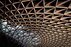 Reach Out (Sean Batten) Tags: london england unitedkingdom gb europe kingscross roof architecture building trainstation nikon d800 35mm lines curves city urban