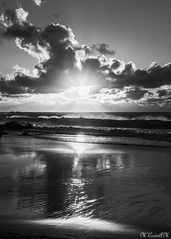 Playa las Arenas_Buenvavista del Norte_06 (María Corín) Tags: puestasol nubes playa sunset clouds beach mar cielo sea heaven blanco negro white black